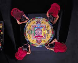 Création d'un mandala Tibétain